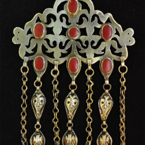 Central Asia - Turkmen Tekke silver fire gilded and chased with decorative wire chains