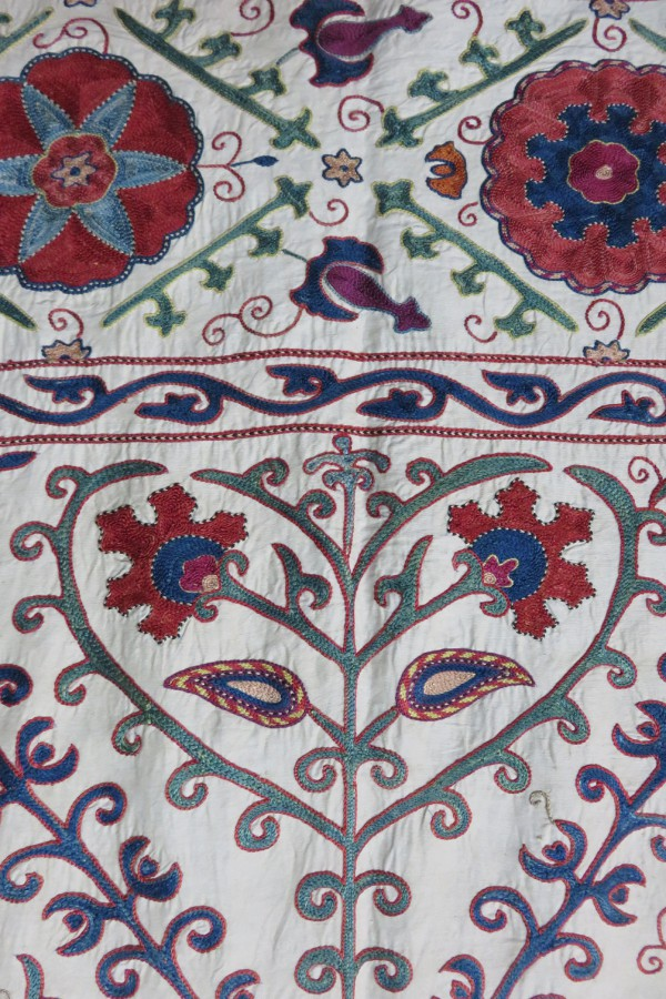Uzbekistan Bokhara Handmade Silk suzani