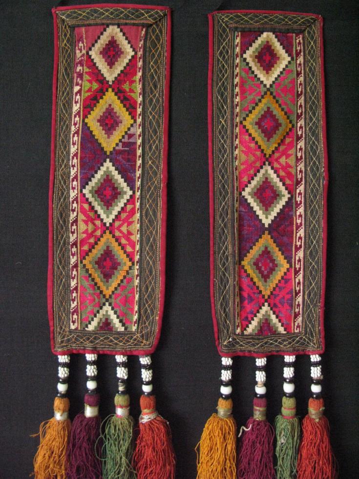 Uzbekistan - Lakai pair wall hangings
