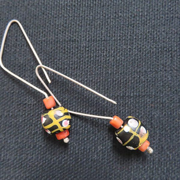 Afghanistan – antique pair of Venetian bead earrings