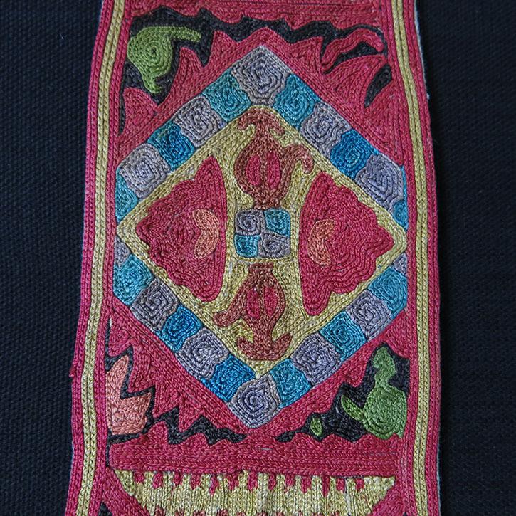 Uzbekistan – Lakai silk embroidery pigtail