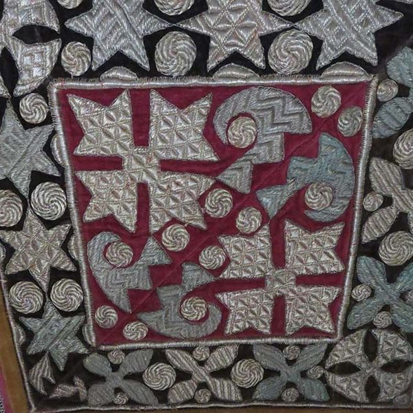 AZERBAIJAN – silver metallic embroidery on velvet