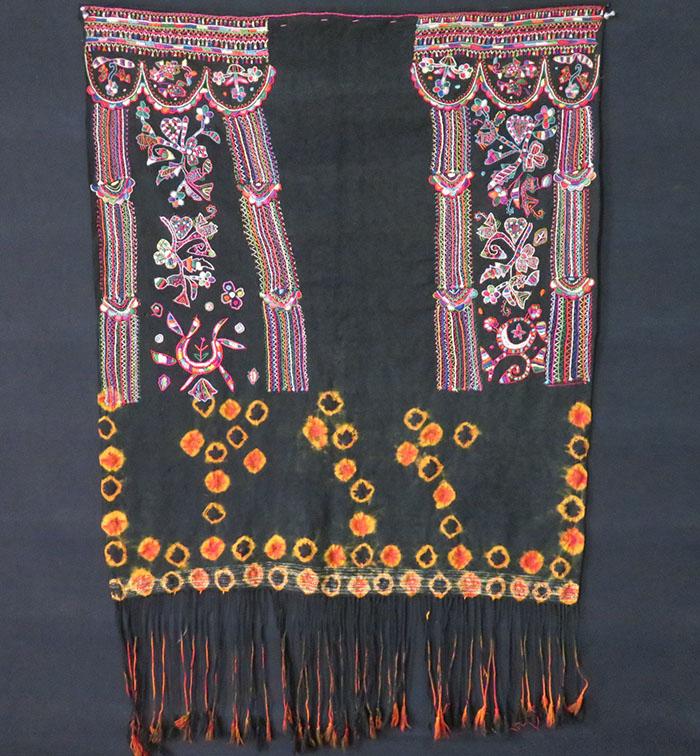 Tunisia – tribal wool / silk wedding veil