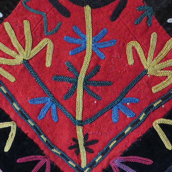 Uzbekistan – Lakai tribal silk embroidery wall hanging