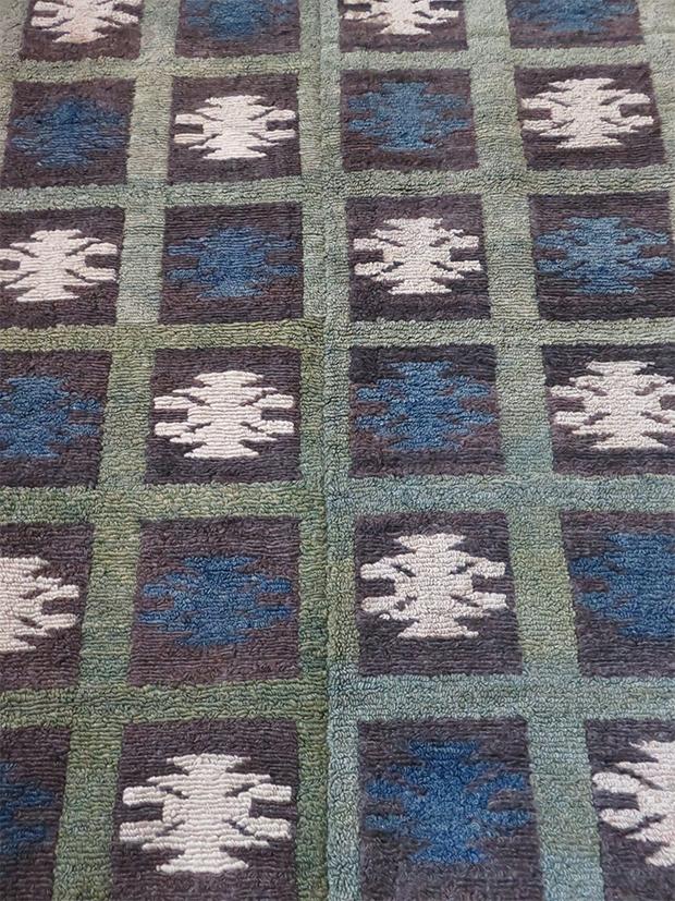 Anatolian Konya Turkmen loop knotted rug