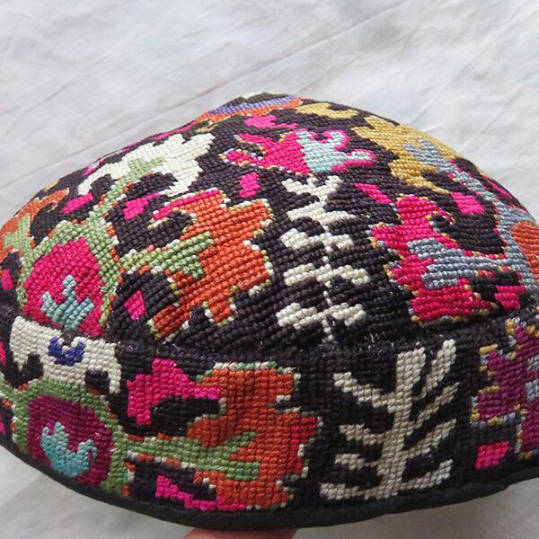 Tajikistan - Lakai tribal silk hat