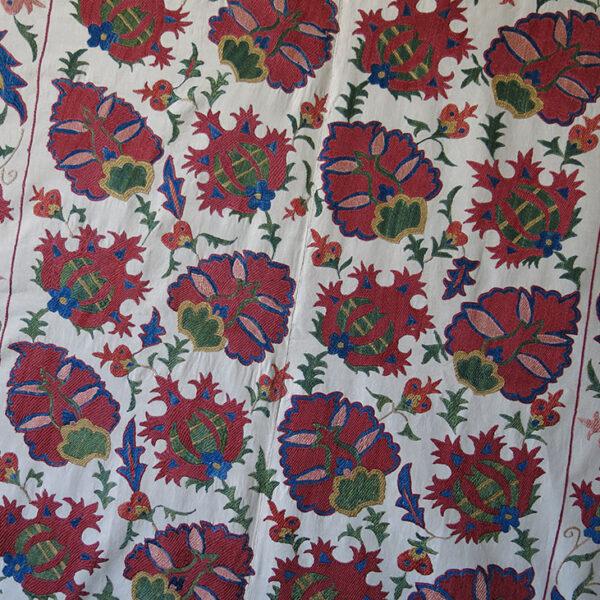 Uzbekistan - Tashkent Silk embroidery ethnic Suzani