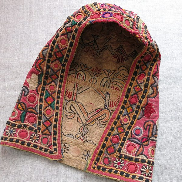 India Gujarat tribal silk embroidery Sishadur helmet shape hat