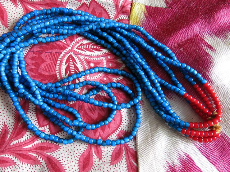Afghanistan - PASHTUN tribal glass beaded necklace