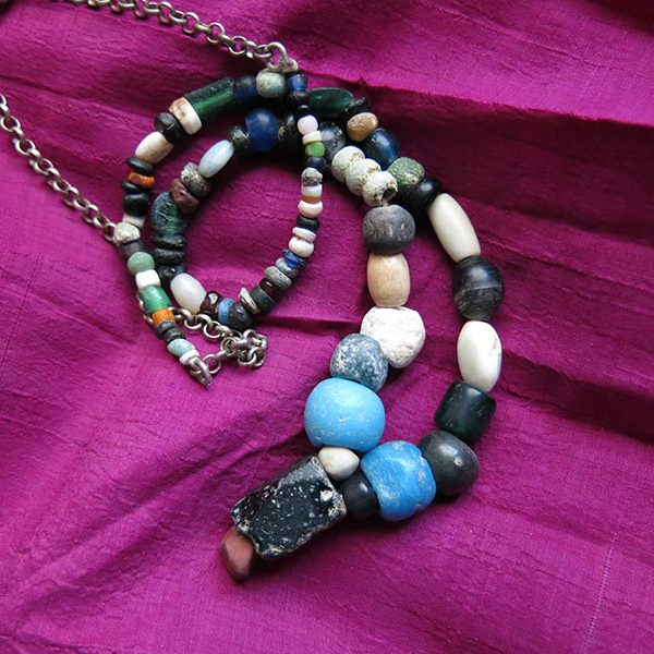 PAKISTAN – INDUS VALLEY antique mix beaded necklace