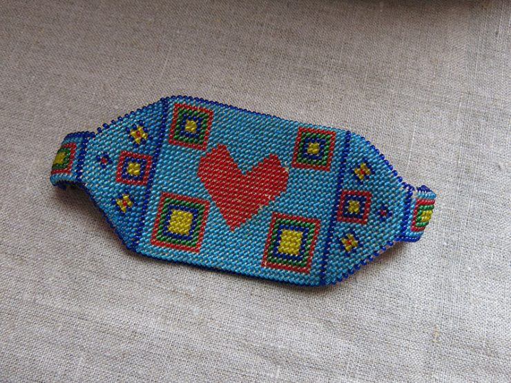 ANATOLIAN Turkmen glass beaded talisman armband