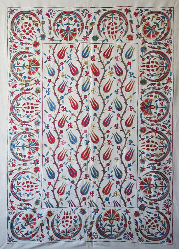 UZBEKISTAN FARGANA VALLEY - Silk embroidered Suzani