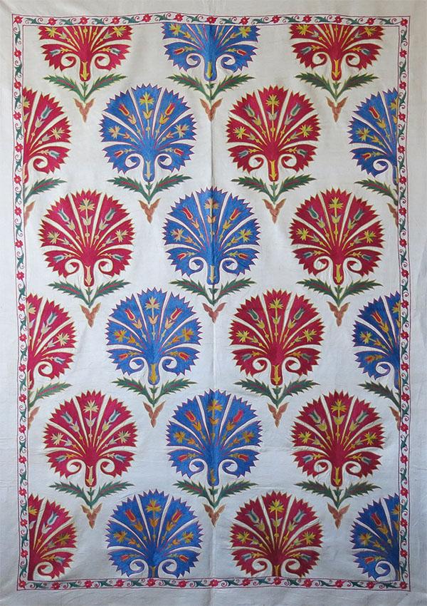 UZBEKISTAN FARGANA VALLEY - Silk embroidered Suzani