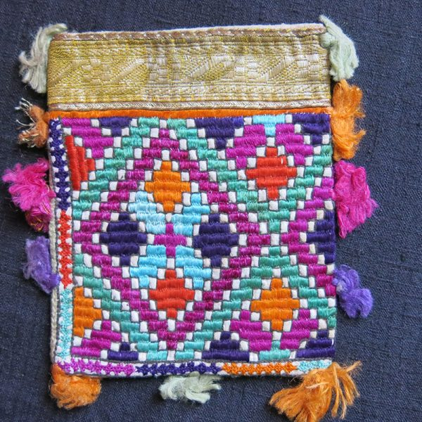 AFGHANISTAN - HAZARA tribal silk embroidery personal woman's bag