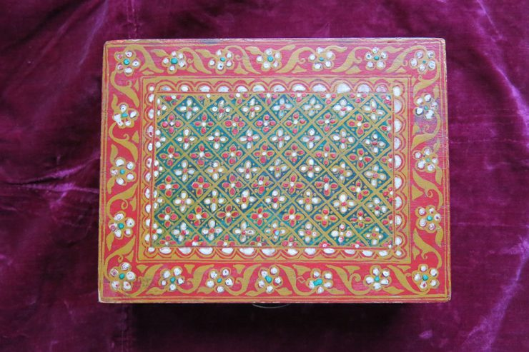 INDIA - KASHMIR handmade painted wooden small box