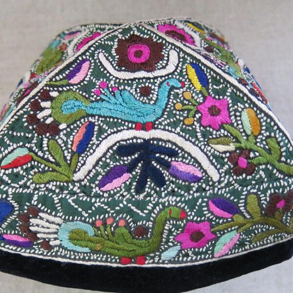 UZBEKISTAN - TASHKENT Silk embroidery ethnic hat