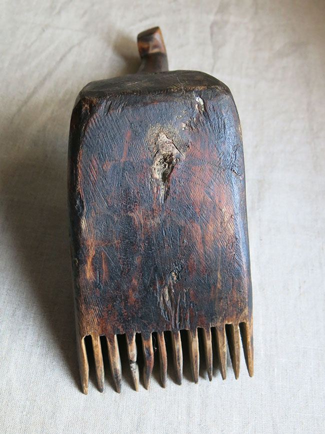 CENTRAL ANATOLIA - KARAMANIA Turkmen hand carved wooden weaving comb