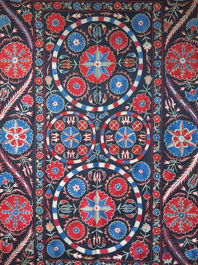 UZBEKISTAN - FARGANA VALLEY Silk embroidery Suzani