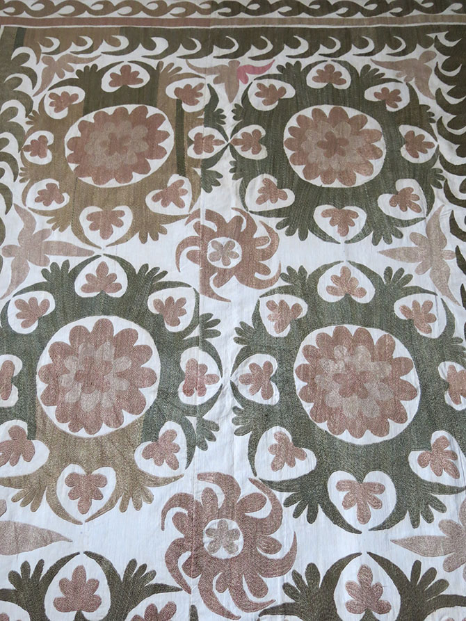 UZBEKISTAN SAMARKAND - Ethnic silk embroidery SUZANI Wall Hanging