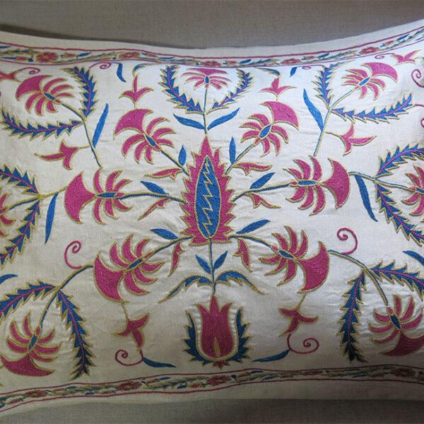 UZBEKISTAN – TASHKENT Silk embroidery pillow cover