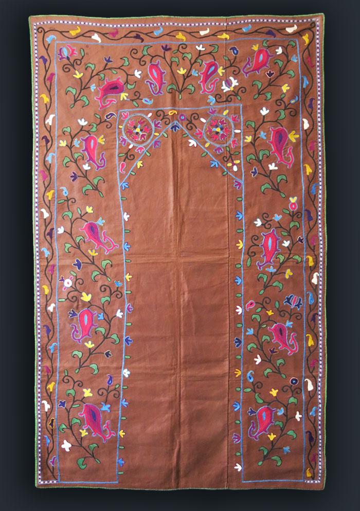 UZBEKISTAN silk embroidery antique NIM SUZANI