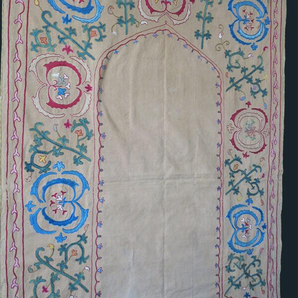 UZBEKISTAN - BOKHARA silk embroidery Nim suzani