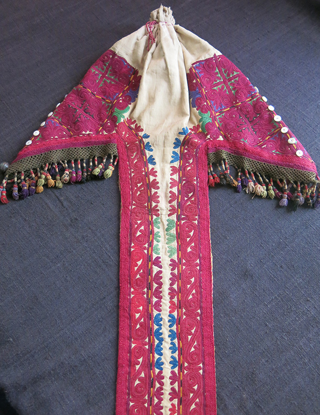 CENTRAL ASIA Kyrgyz ceremonial long tail hat – Chach Kep