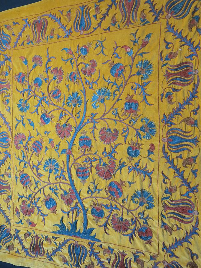 UZBEKISTAN – TASHKENT LAKAI silk embroidery Suzani on Velvet