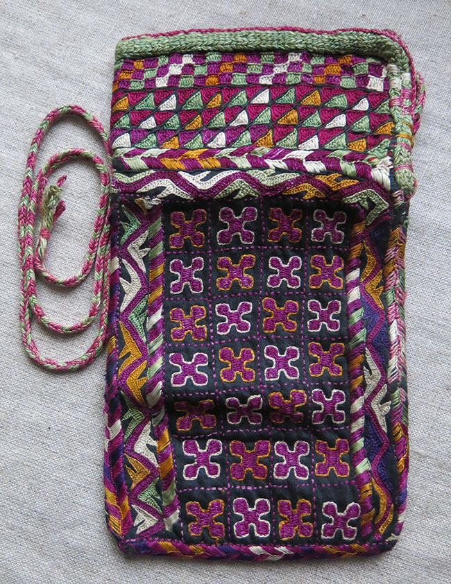 AMU DARYA TURKMEN CHODOR tribal silk embroidery folding Wallet – PUL- KHALTA