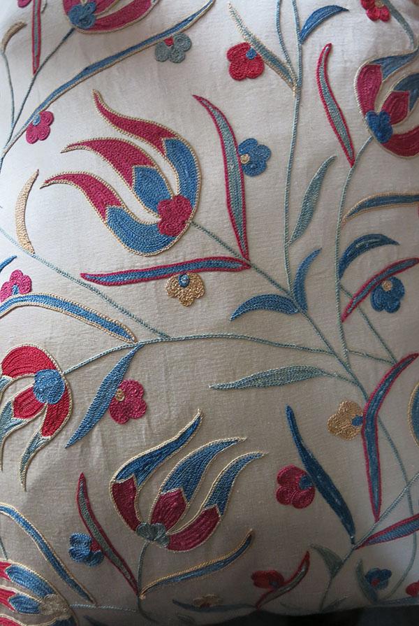 UZBEKISTAN TASHKENT Silk embroidery pillow covers