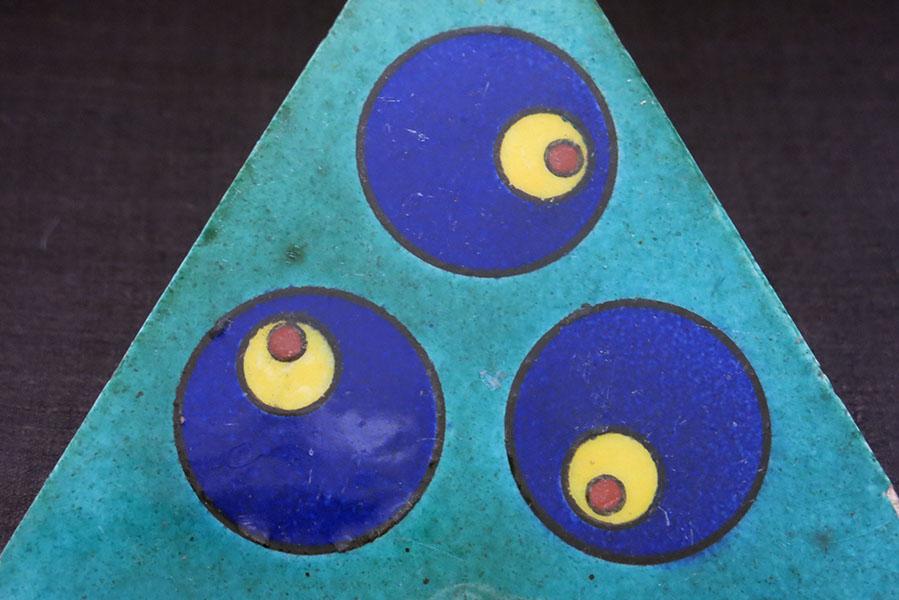 TURKEY ANATOLIAN – KUTAHYA triangle Cintamani motif ceramic tile