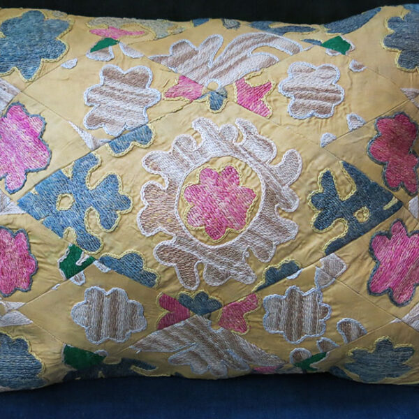 TAJIKISTAN – SUZANI silk pillow cover