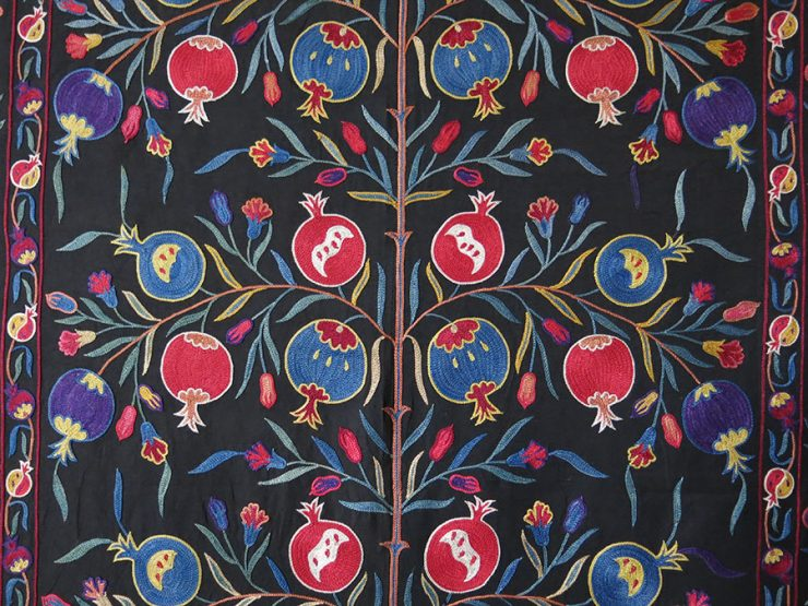 UZBEKISTAN FARGAN VALLEY silk embroidery pomegranates design Suzani