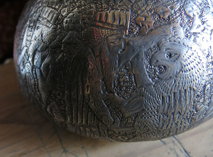 PERSIA PERSEPOLIS - SHIRAZ Hand forged and chiseled copper pot