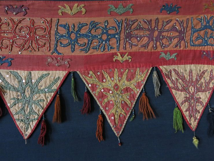 CENTRAL ASIA Tribal wool and dyed cotton Yurt / dwelling hanging