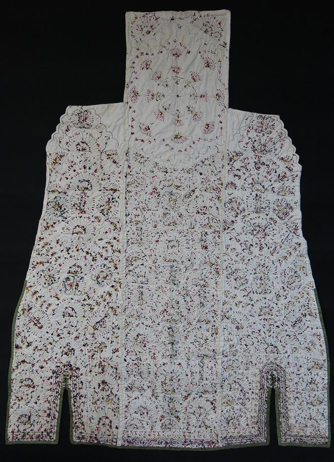 TURKMENISTAN TEKKE tribe white women's Chirpy / cape back side fragment