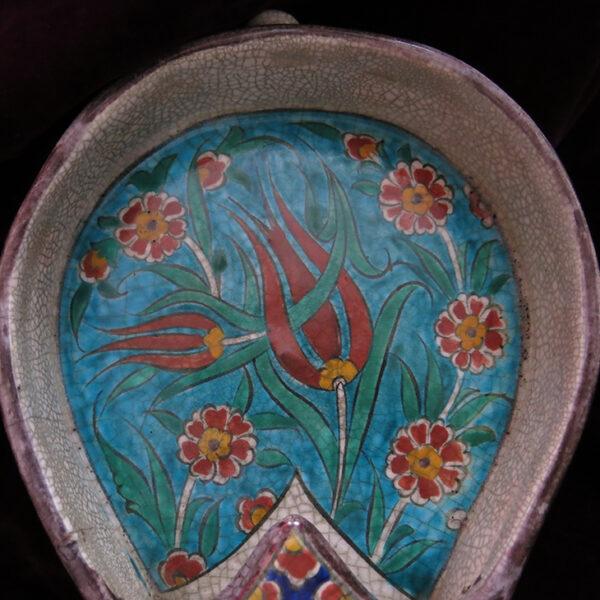 KUTAHYA – Glazed ceramic coffee seeds cooler