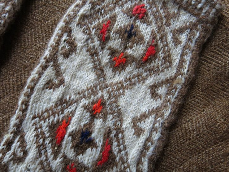 CENTRAL TURKEY tribal hand-knitted angora wool woman's winter gloves