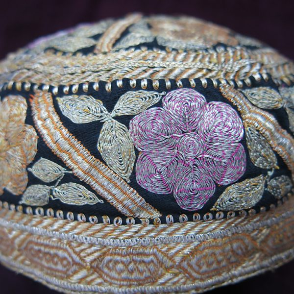 INDIA GUJARAT Silk metallic embroidery hat